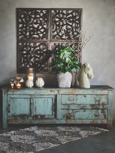 Love this😍 Credit: ✨ Rustic Farmhouse, Farmhouse Style, Creative Home, Vintage Furniture, Entryway Tables, Living Spaces, Sweet Home, Interior Design, Design Interiors