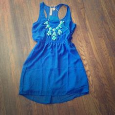 ✨Gorgeous Blue dress Super cute chiffon like material. Perfect with a statement jewelry piece or belt. Dresses Mini