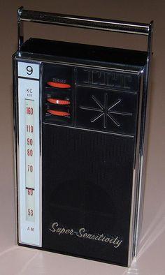 Vintage ITT (International Telephone & Telegraph) 9 Transistor Radio, Model 6409, Made In Japan, Circa 1964.