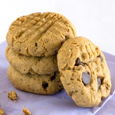 Banana & Peanut Butter Flaxseed Cookies | Clean Eating Magazine