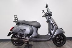 Motor Scooters, Vespa Scooters, Vespa 300, Scooter Bike, Bike Art, Cars And Motorcycles, Touring, Wheels, Vehicles