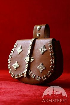 Medieval molding bag puch belt casting for sale Medieval Belt, Belt Pouch, Belt Bags, Boyfriend Crafts, Leather Bags Handmade, Leather Pouch, Cloth Bags, Leather Working, Bag Sale