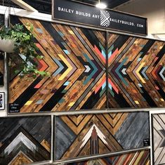 Day two at has begun! Find me here until today. Wooden Wall Art, Diy Wall Art, Diy Art, Wood Wall, Memo Boards, Diy Resin Table, Easy Crafts To Make, Reclaimed Wood Art, Small Wood Projects