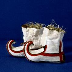 Botas saamis se utilizaban durante el bautizo, están hechas con pelo de reno blanco.