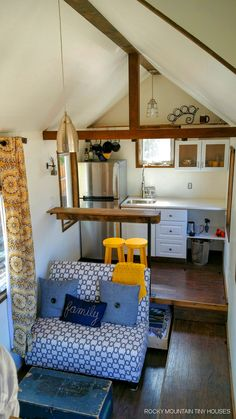 Small spaces design - A tiny house on wheels in Albuquerque, New Mexico built using Structural Insulated Panels (SIP's) by Rocky Mountain Tiny Houses. Tiny House Swoon, Tiny House Living, Tiny House Plans, Tiny House Design, Tiny House On Wheels, Small Living, Tiny House Family, Little Houses, Tiny Houses