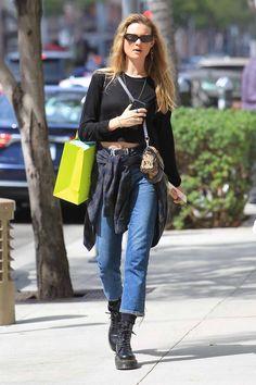Behati Prinsloo Street Style Look Street Style, Nyfw Street Style, Model Street Style, 90s Grunge, Grunge Look, Behati Prinsloo, Fashion Wear, Star Fashion, Street Fashion Show
