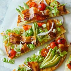 A recipe for Grilled BLTA Flatbreads. Best Bbq Recipes, Summer Grilling Recipes, Favorite Recipes, Lunch Recipes, Pizza Recipes, Pork Recipes, Spoon Fork Bacon, Seafood Dinner, Pizza Pizza