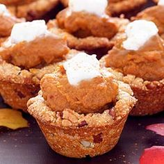 Paleo Pumpkin Pie Cups Recipe - these look sooo delicious!