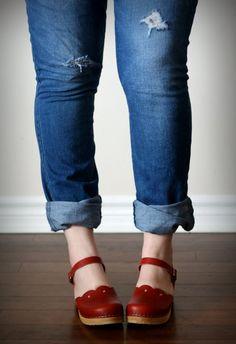 Sandgrens clog sandals and casual jeans www.sandgrensclogs.com/links/p/milan.php