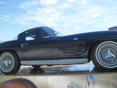 1963 - Chevrolet Corvette - side