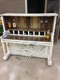 1920s Furniture, Diy Furniture Renovation, Recycled Furniture, Paint Furniture, Furniture Projects, Home Craft Decor, Old Pianos, Best Piano, Coffee Bar Home