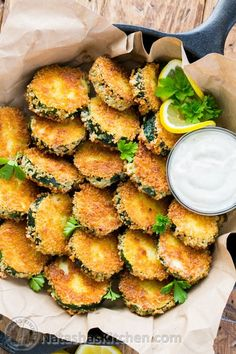 Crisp Zucchini Bites, Zucchini crisps, Zucchini rings, Aioli Dip-These zucchini bites have a perfectly crunchy outside that seals in all of the fantastic natural juiciness of zucchini. You must try them!