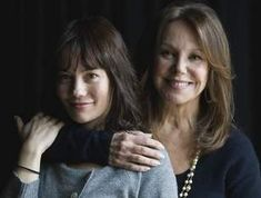 Marlo Thomas and Natasha Gregson Wagner one the child of Danny Thomas, the other of Natalie Wood play mother and daughter