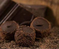 Baileys-es trüffel golyók házilag Candy Recipes, Cookie Recipes, Mousse, Small Cake, Macaron, Baileys, Cookie Desserts, Winter Food, Diy Food