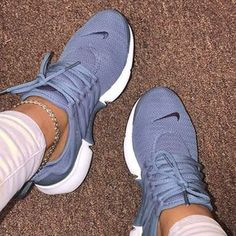 FIRST TO BUY Top 10 Air Max 1 Turnschuhe Wholesale sexy dresses to pep up your sexual and personal l Air Max 1, Cute Sneakers, Sneakers Mode, Shoes Sneakers, Women's Shoes, Nike Dama, Nike Air Shoes, Nike Tennis Shoes, Shoes Sport