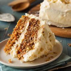 The ultimate spring dessert recipe is here! We love a good carrot cake loaded with brown sugar, carrots and nutty goodness. Bake this one as a sheet cake (a 9 x pan should do at about 45 minutes bake. Homemade Carrot Cake, Best Carrot Cake, Cake With Cream Cheese, Cream Cheese Frosting, Buttercream Frosting, Frosting Recipes, Cake Recipes, Easy Cakes To Make, Carrot Cake Cheesecake