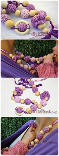 Collar de lactancia, dentición y porteo a crochet con bolas de madera y anillo para mamá y bebé. Breatfeeding teething crocheted necklace with wooden beads and ring.