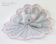 Ravelry: Wee Mouse Lovey pattern by Briana Olsen Crochet Security Blanket, Crochet Lovey, Lovey Blanket, Crochet Mouse, Baby Blanket Crochet, Crochet Dolls, Free Crochet, Crochet Animal Patterns, Amigurumi Patterns
