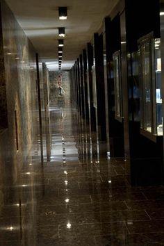 PORTFOLIO STUDIO SIMONETTI: Detail@Golden Palace, architectural project of interiors (credits Luca Gambuti) #studiosimonetti #progettoalberghiero #goldenpalacetorino #hotel5stellelusso