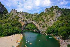 7 jours en #chalet dans un #camping 4 avec piscines et #activités dès 22900  http://dld.bz/Campings #Ardèche