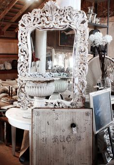 Amazing carved mirror @ Ekster antiques