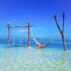 Sunny day  ___________________________  Talent in frame @wandra_18 Loc : Gili trawangan Island