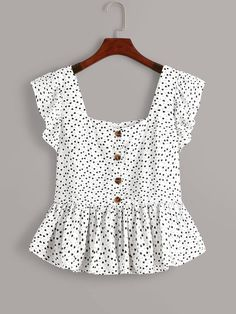 To find out about the Plus Heart Print Button Front Ruffle Trim Peplum Blouse at SHEIN, part of our latest Plus Size Blouses ready to shop online today! Peplum Blouse, Blouse Outfit, Peplum Tops, Dress Shirt, Indian Blouse Designs, Fashion News, Fashion Outfits, Fashion Styles, Girl Fashion