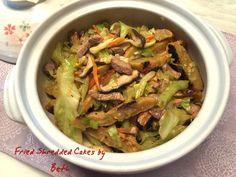 不管是蔥油餅、薄餅,切成細條,與肉絲、高麗菜一起拌炒,就是可以飽餐一頓的簡單料理了。