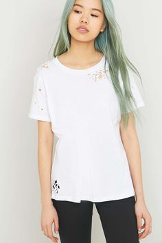 BDG Destroyed White T-shirt - Urban Outfitters