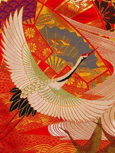 Tsuru / Crane Japanese Kimono Pattern http://yosotattoo.wordpress.com/2009/03/19/crane-and-wedding-kimono/