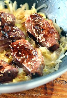 Chou chinois et magret de canard Teriyaki                                                                                                                                                                                 Plus Asian Recipes, Ethnic Recipes, Exotic Food, Food Cravings, Chinese Food, Lunch Recipes, Bon Appetit, Bistro, Food And Drink