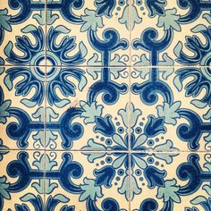 Portuguese tiles in Lisbon Tile Tables, Art Nouveau Tiles, Cobalt Glass, Portuguese Tiles, Room Planning, Pattern Library, Tile Art, Blue Nile, Textile Patterns