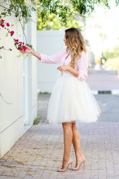 Gorgeous pink blouse + tulle skirt + nude pumps