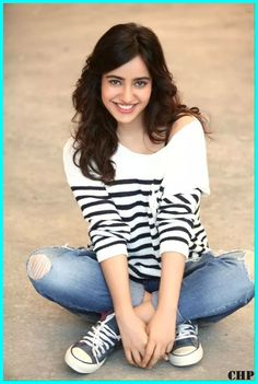 Neha Sharma is an Indian film actress and model. Stylish Girls Photos, Stylish Girl Pic, Girl Photos, Beautiful Girl Indian, Beautiful Indian Actress, Indian Celebrities, Bollywood Celebrities, Indian Film Actress, Indian Actresses