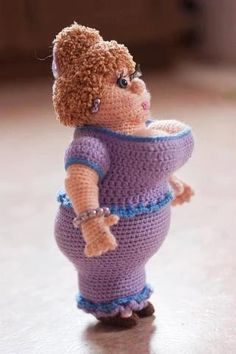 This Week's Favorites - Amigurumi Girls — BuddyRumi Today being International Women's Day I thought a good way to mark it was to share these beautiful amigurumi ladies and girls! Madame Briosh by Alena Mihaleva Love this funny doll (pattern available) T Crochet Art, Crochet Patterns Amigurumi, Cute Crochet, Amigurumi Doll, Crochet Animals, Crochet Crafts, Crochet Projects, Knitting Patterns, Funny Crochet