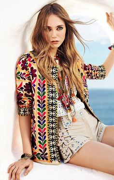 How to master the bohemian style Indie Fashion, Hipster Fashion, Ethnic Fashion, Gypsy Fashion, Casual Coats For Women, Clothes For Women, Hipster Style Outfits, Skirt Fashion, Fashion Outfits
