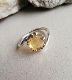 Citrine Jewellery – Citrine Silver Ring, Ultimate Ring, Wonderful Ring – a unique product by Midas-Jewelry on DaWanda Citrine Gemstone, Gemstone Rings, Silver Rings, Jewels, Gemstones, Jewellery, Unique, Etsy, Bijoux