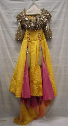 Colored Wedding Dress, Wedding Dresses, Raincoat, Victorian, Jackets, Fashion, Tulle, Bride Dresses, Rain Jacket