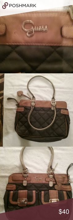 99951e64da92 Bag Guess large tote purse shoulder bah. Gently worn in good cond. 2  pockets. Bolso De ...