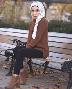 brown-sweater-hijab-style- Winter hijab fashion outfits http://www.justtrendygirls.com/winter-hijab-fashion-outfits/