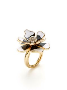 Black & White Flower Ring by Kenneth Jay Lane at Gilt Flower Rings, Unusual Rings, White Flowers, Jay, Product Launch, Brooch, Engagement Rings, Black And White, Clothes