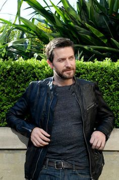 """Richard Armitage. This is very beautiful <3 *Angels going """"Ohhhhhhhhh!""""*"""