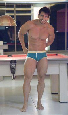 Brazilian Rafael Cardozo has EXCELLENT quads!