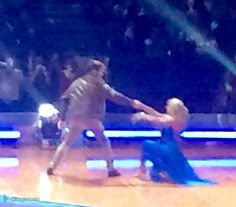 Jay e @AlionaVilani na turnê do Strictly em Birmingham, na Inglaterra. (via @Janetnbecks) (22 jan.)