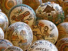 Romanian Easter Ukrainian Easter Eggs, Ukrainian Art, Romanian Food, Egg Designs, Egg Art, Egg Decorating, Bulgaria, Homeland, Handmade Art