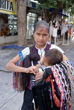 Mexico by M-Kaur, via Flickr Breastfeeding Images, Breastfeeding Photography, Maternity Photography, Mother And Child Reunion, Nursing Mother, Black Women Art, African Culture, Cute Asian Girls, Mothers Love