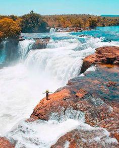 Esta é a cachoeira da Velha, da cidade de Mateiros. Porém, todo o estado é cheio delas. Na cidade de Taquaruçu, por exemplo, existem 80 delas.