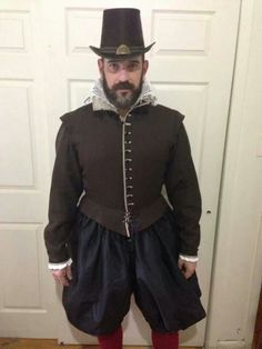 Elizabethan men's costume.  Modern Maker book is  amazing, a must read for any reenacter.  I learned so much! Thank you Mr. Gnagy!