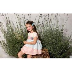 Precioso vestido Pilar Batanero disponible en tallas 1, 2 y 3 Envios gratis Encuentralo en el siguiente enlace http://latitaloca.com/es/vestidos-nina/2145-vestido-pilar-batanero-tricolor.html