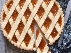 Crostata alla marmellata: Ricetta e Trucchi per una Crostata perfetta! Italian Desserts, Italian Recipes, Italy Food, Sweets Cake, Cannoli, Biscotti, Sweet Treats, Dessert Recipes, Pie